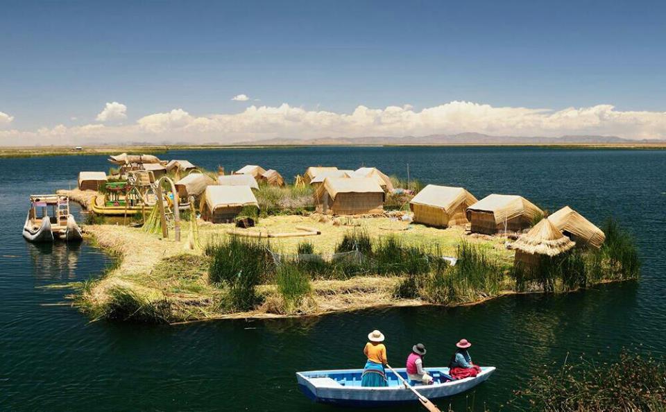 Αποτέλεσμα εικόνας για πλωτά νησιά λίμνη τιτικάκα